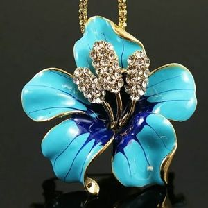 Blue Hibiscus necklace or pin🌺🌺